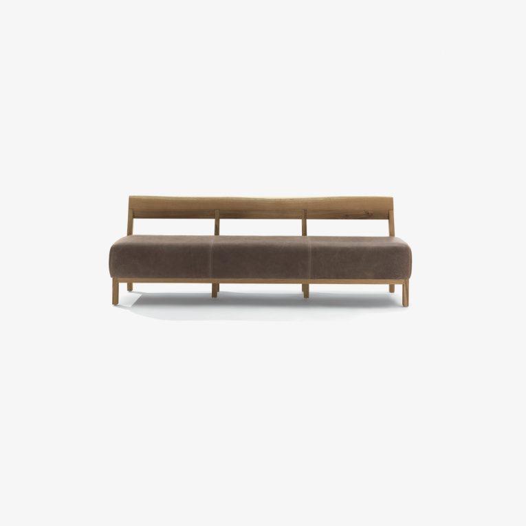 Panca moderna BETTY BENCH | Panca legno massello e pelle | Panca legno massello e tessuto | Panca di design